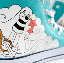 Esencia Custome: Zapatillas personalizadas. A Design&Illustration project by Rebeca Martínez         - 04.02.2010