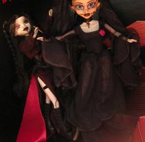 Slayer Storm VS Vampiress Divinity. A Photograph project by MarikoSusie - 24-11-2010