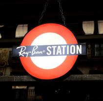Ray Ban Station . Pop Up Store. Un proyecto de Diseño, Publicidad, Instalaciones, Fotografía, UI / UX y 3D de Michelle Felip Insua         - 02.11.2011