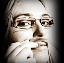 Venderse . Un proyecto de Fotografía de Luiza Apoenna Araujo Ximenes         - 08.01.2012