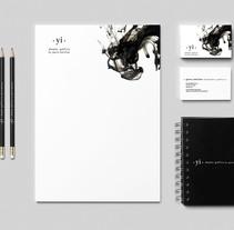 IDENTIDAD COPORATIVA YI diseño gráfico by gema sánchez. Un proyecto de Diseño, Dirección de arte, Br, ing e Identidad y Diseño gráfico de gema sanchez - 18-02-2014
