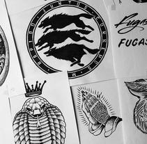 FugasCaramba. Un proyecto de Diseño, Ilustración, Dirección de arte, Br, ing e Identidad, Diseño de vestuario y Diseño Web de Julio Valdés Boccardo - 21-07-2014