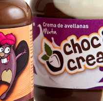 Choc&cream, branding & packaging. A Design, Art Direction, Br, ing, Identit, Graphic Design, and Packaging project by Mediactiu agencia de branding y comunicación de Barcelona  - 09-09-2014