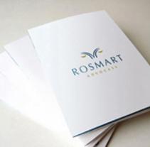 Diseño de logotipo realizado para Rosmart Advocats, un despacho de abogados ubicado en la localidad de Figueras (Girona).. Um projeto de Br e ing e Identidade de Alejandro Prieto Jaime - 21-07-2010