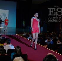 Proyecto inspirado en las cerezas. Um projeto de Design, Design de acessórios, Design de vestuário, Artesanato, Eventos e Moda de Nuria Porto Domínguez         - 02.06.2015