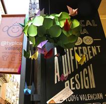 Branding @typical Valencia. Un proyecto de Diseño, Dirección de arte, Br, ing e Identidad, Diseño gráfico, Arquitectura interior, Diseño de interiores, Diseño de producto y Diseño de juguetes de Virginia Lorente Alegre - 09-02-2013