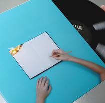 ARLO. Un proyecto de Diseño de SOPA Graphics   - 23-09-2015
