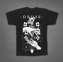 Druse T-Shirt. A Illustration, Costume Design, and Graphic Design project by Dani Cambeiro - 31-07-2014