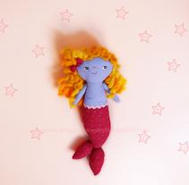 Bonnie mermaid. Um projeto de Design de personagens e Design de produtos de Ana         - 24.04.2016
