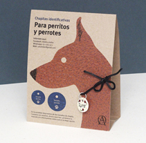 Para perritos y perrotes. A Illustration, Art Direction, Packaging, and Paper craft project by Heroine Studio - 14-09-2016