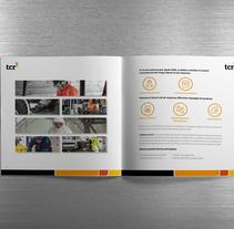 Dosier corporativo TCR. A Editorial Design, and Graphic Design project by Claudia Domingo Mallol - 24-10-2016