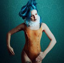 Pierrot - Congelando el movimiento con Profoto. Un proyecto de Publicidad, Fotografía, Moda, Bellas Artes, Diseño de iluminación y Post-producción de Fátima Ruiz - 27-11-2016