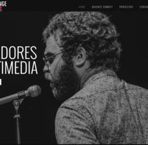 Diseño web - Strange Minds. Un proyecto de Fotografía, Diseño Web y Vídeo de Ángel Nájera - 06-06-2012