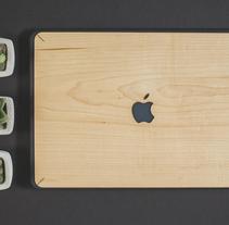 Fundas y teclados de Madera para Macbook. Un proyecto de Diseño, Artesanía y Diseño de producto de Vica  - 15-01-2017