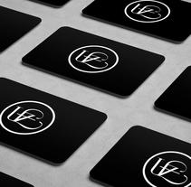 Uffizi Studio - Galería de arte corporal. Un proyecto de Diseño, Br, ing e Identidad y Diseño gráfico de Bethany Neumann         - 10.04.2017